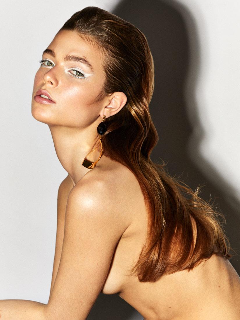 Beauty-Eyeliner-White-Olga-Rubio-Dalmau--4